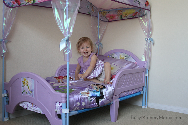 Review Delta Childrens Toddler Bed