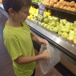 7 Reasons you Should Go Grocery Shopping with your Kids on BusyMommyMedia.com