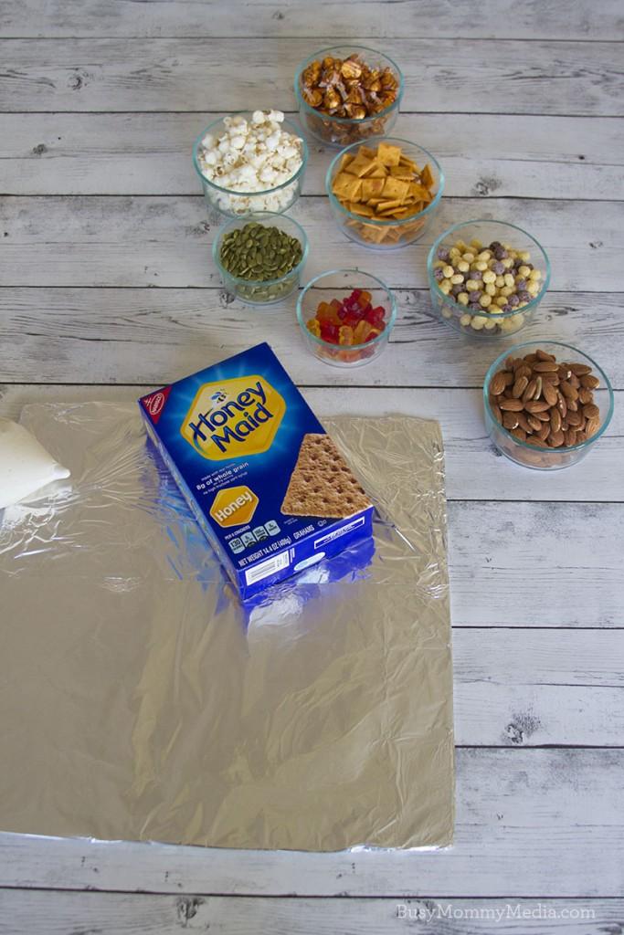 "Artificial Dye-Free Graham Cracker ""gingerbread"" houses"
