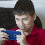 How to Keep Kids Safe Online with Familoop