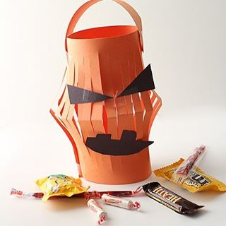 This cute little Halloween Lantern is a fun twist onhellip