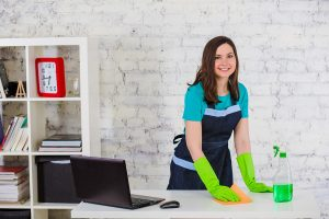 Why Moms Shouldn't Hire a Housekeeper