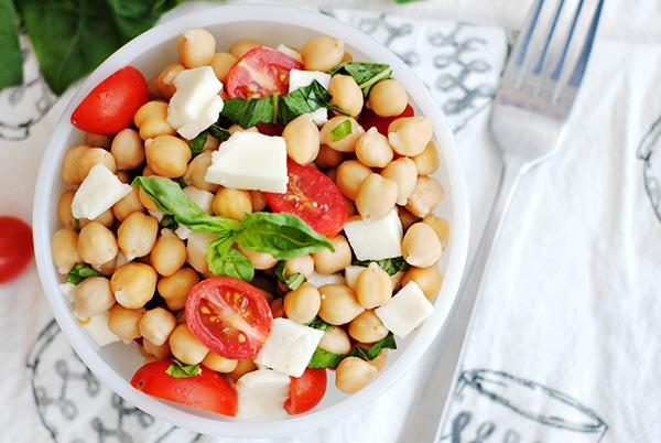 Caprese Chickpea Salad