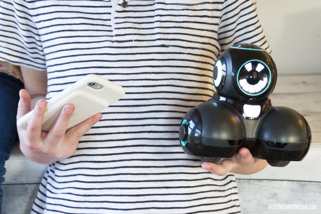 Cue Robotic toy