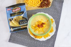 Easy Cheesy Crackers with Idahoan Premium Steakhouse Soup